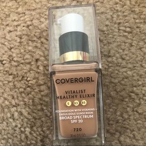 BN Covergirl Elixir Foundation - Creamy Natural